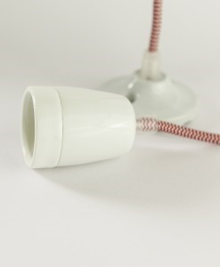 porcelain pendant light with fabric cable (3)