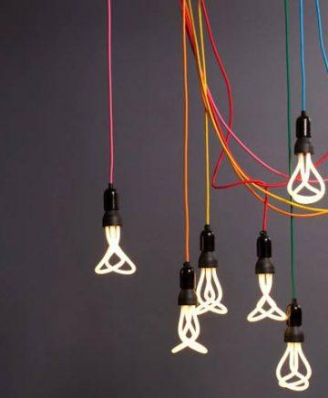 Plumen 001 CFL light bulb