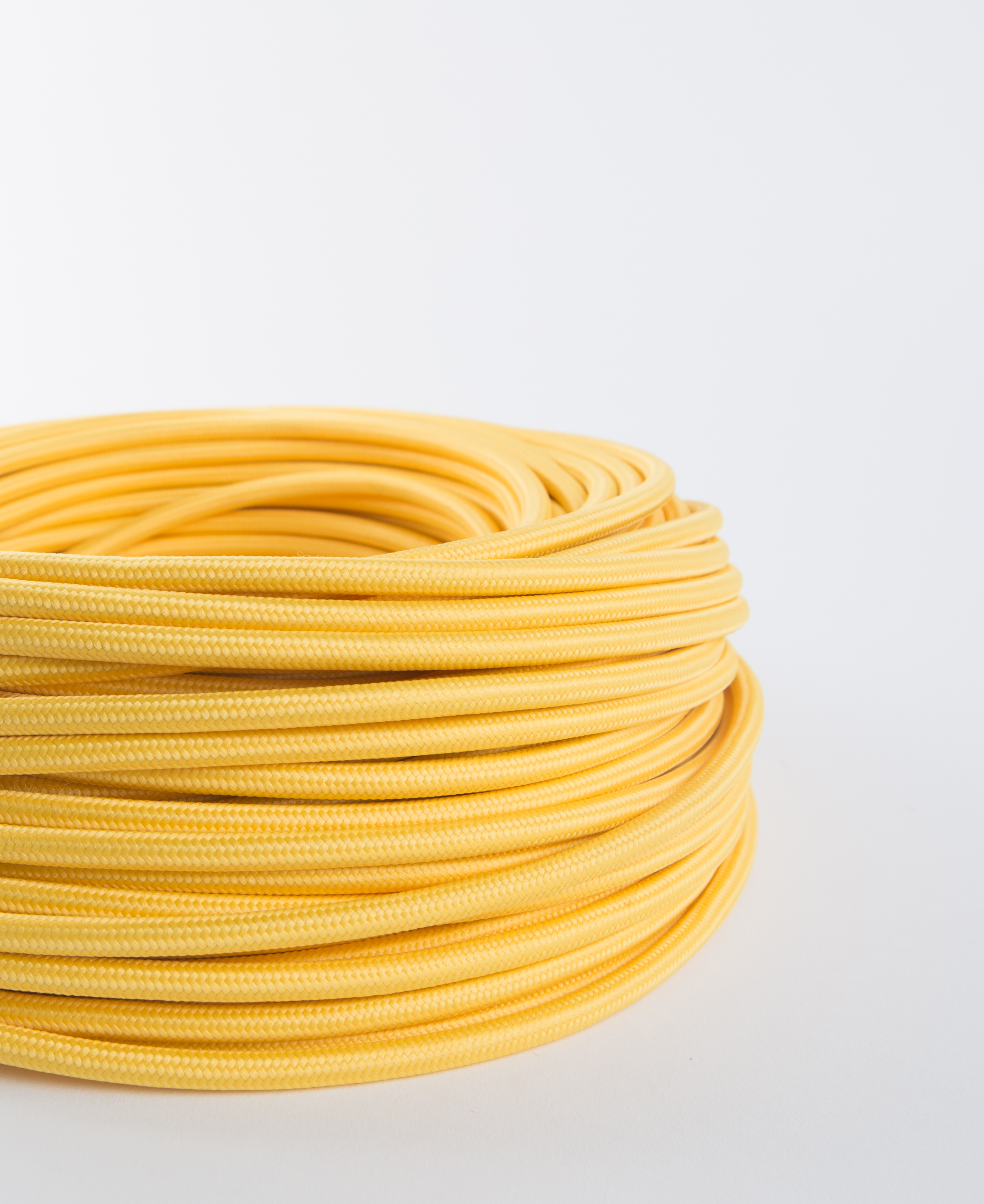 Yellow Fabric Cable for Lighting 8 Amp 3 Core CE Certified