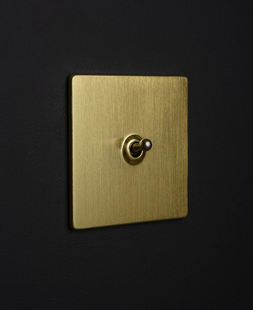 gold & silver single toggle