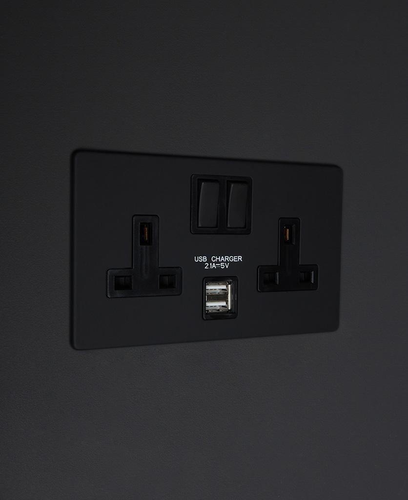 black double 2g usb plug socket