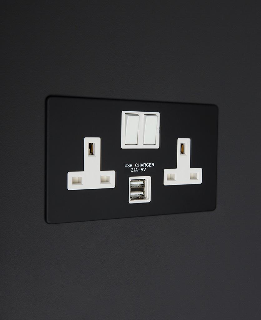black and white double 2g usb plug socket