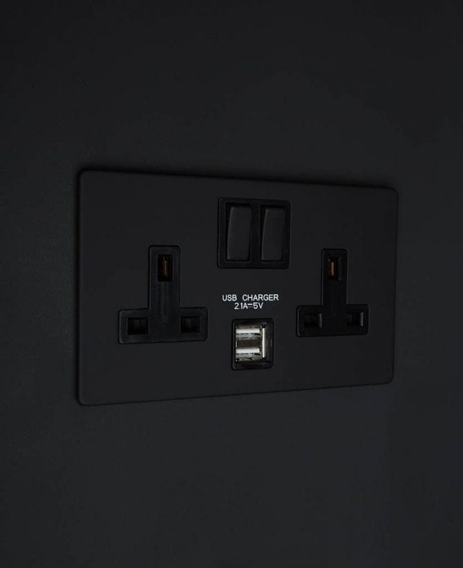 black & black double plug socket USB