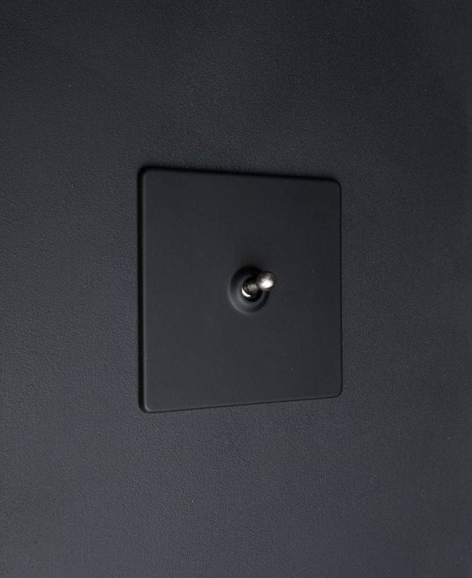 toggle light switch 1 toggle black & silver