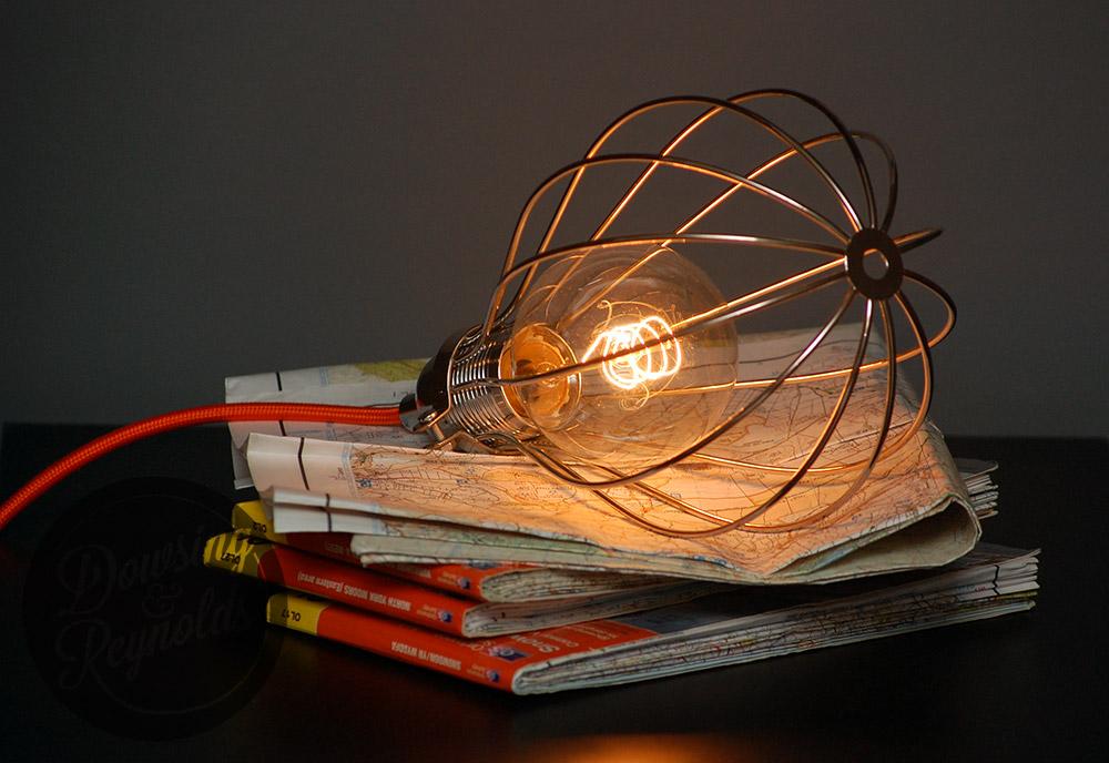 retro-vintage bedside lamp