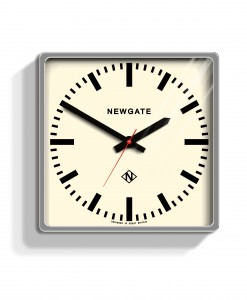 wall_clock_Underpass_chrome_UND72CH (2)