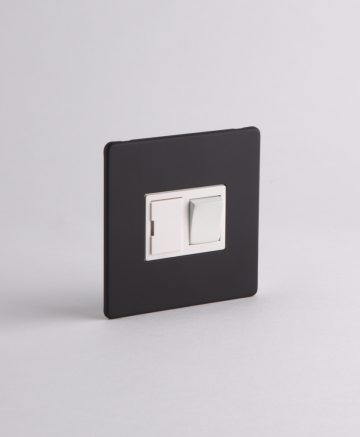 FUSED SPUR SWITCH Black & White