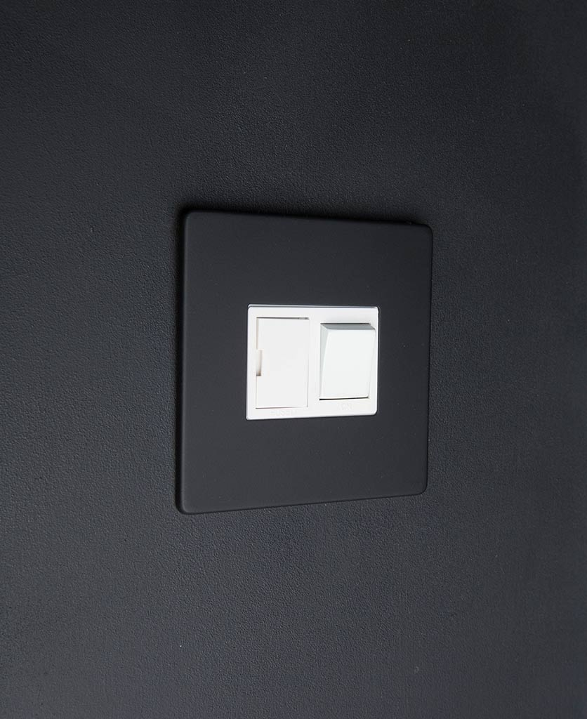 Black & white Fused Spur Switch