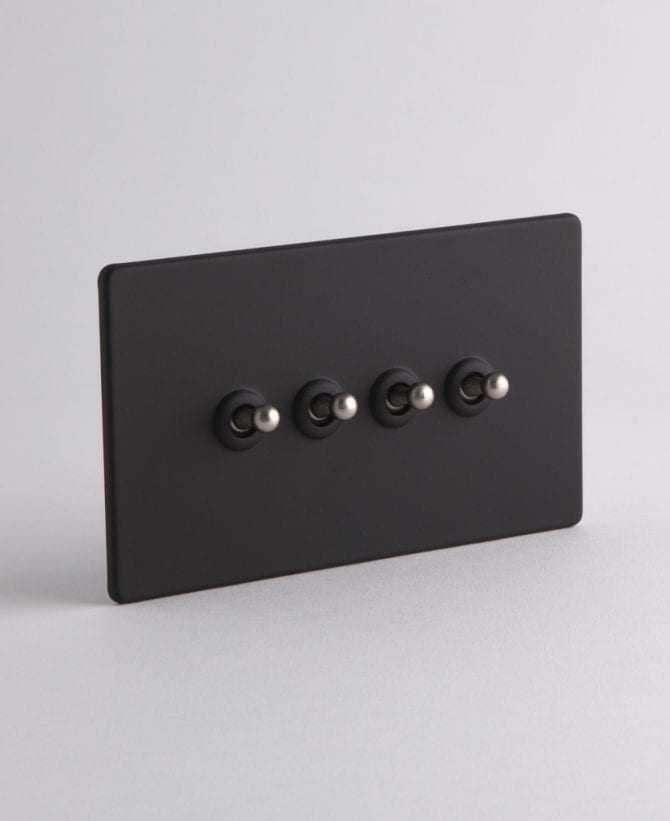 4 gang toggle switch black & silver