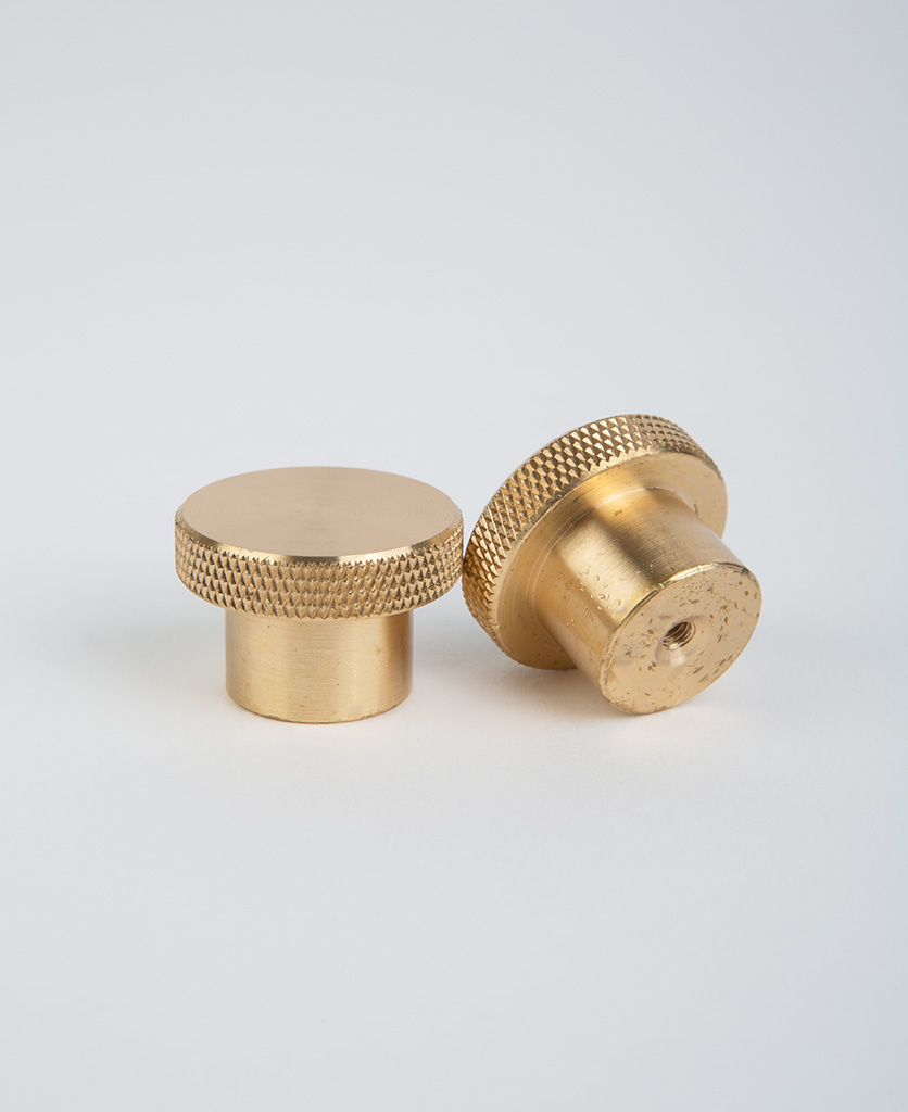 Modenist knob imperfections