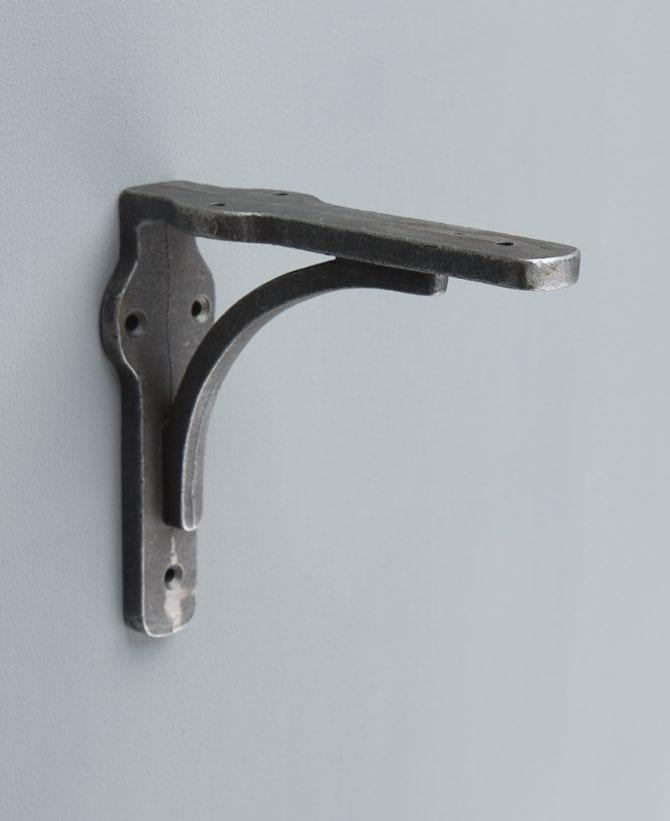 FELIX iron shelf bracket