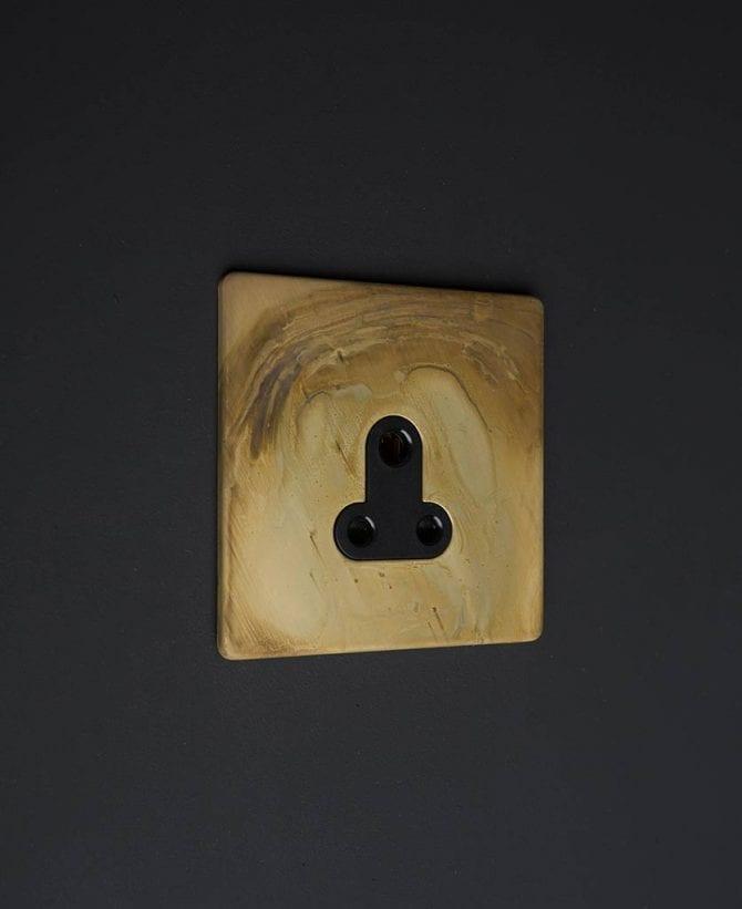 Smoked Gold & black Round 3 Pin Socket