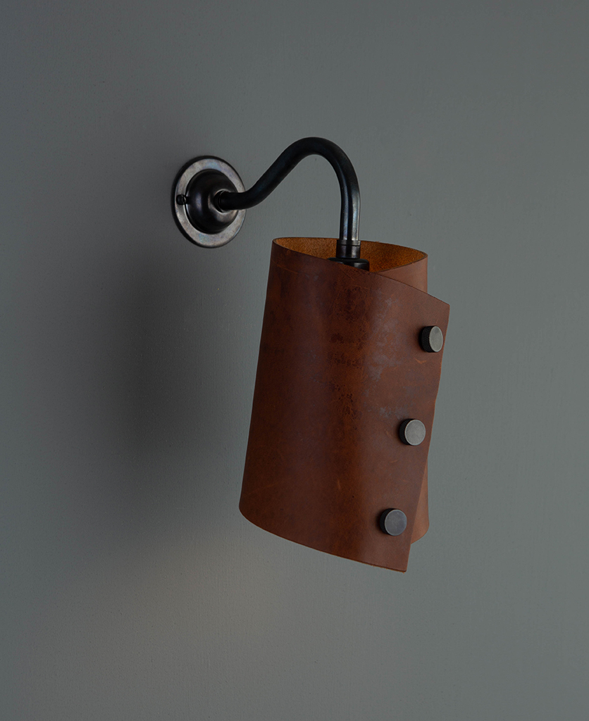 leather wall light bronze & chestnut