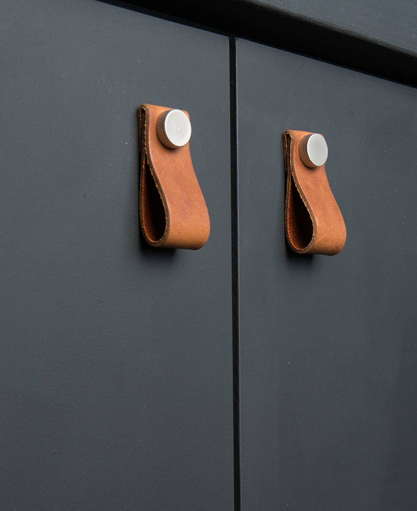 magni door handle volcanic cinder & silver
