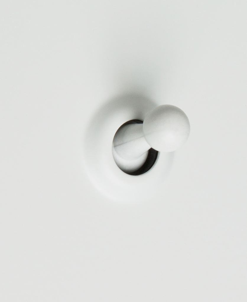 white single toggle 1g switch