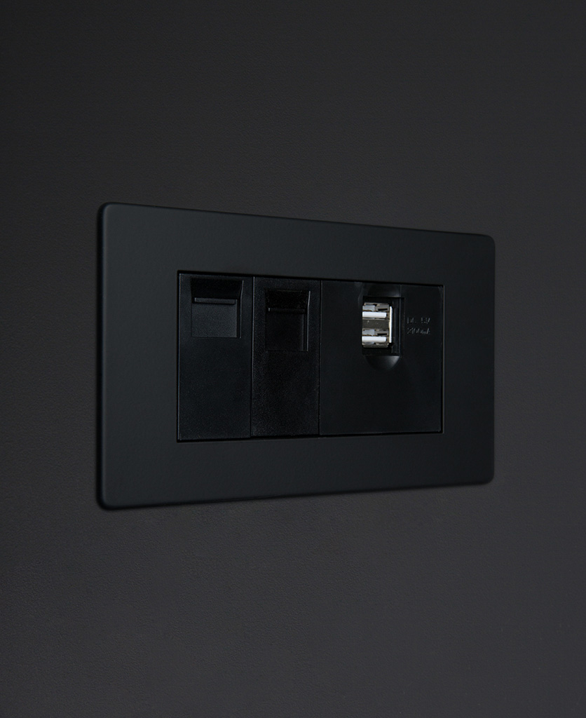 black quad port