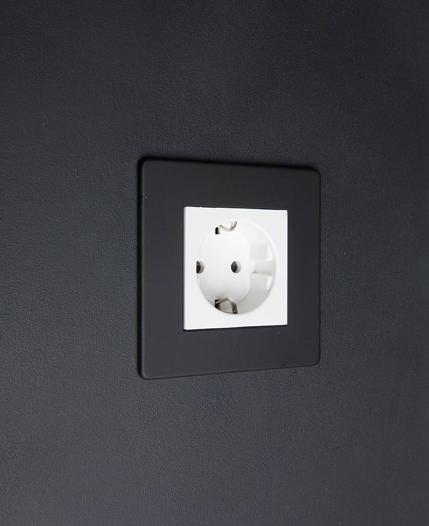 Black & white Schuko Single Socket