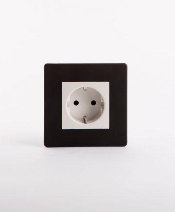 single Schiko socket in black and white