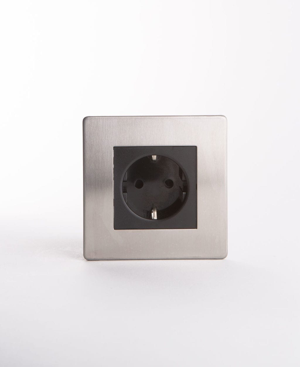 Schuko single socket silver with black inserts