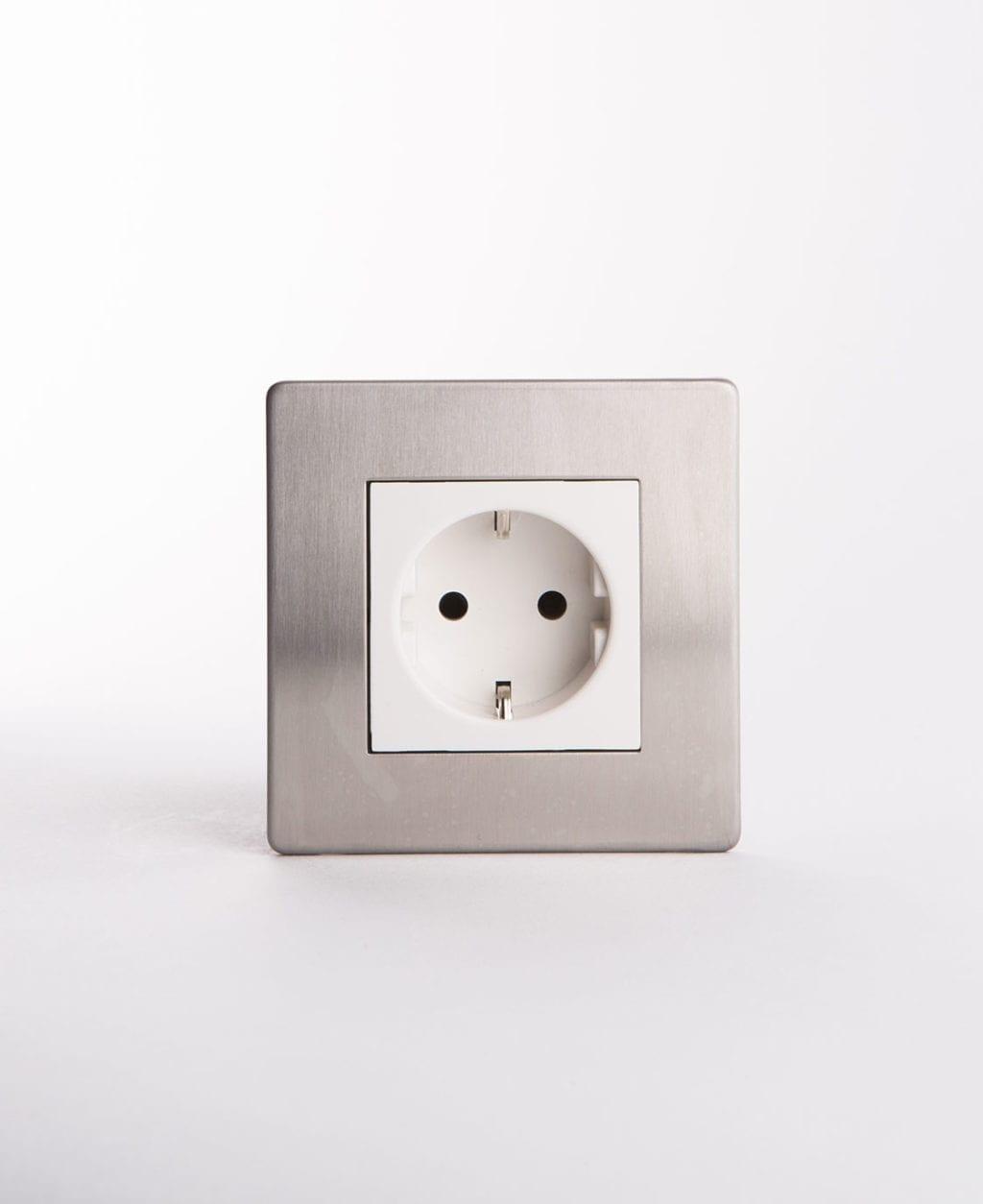 silver & white Schuko single socket