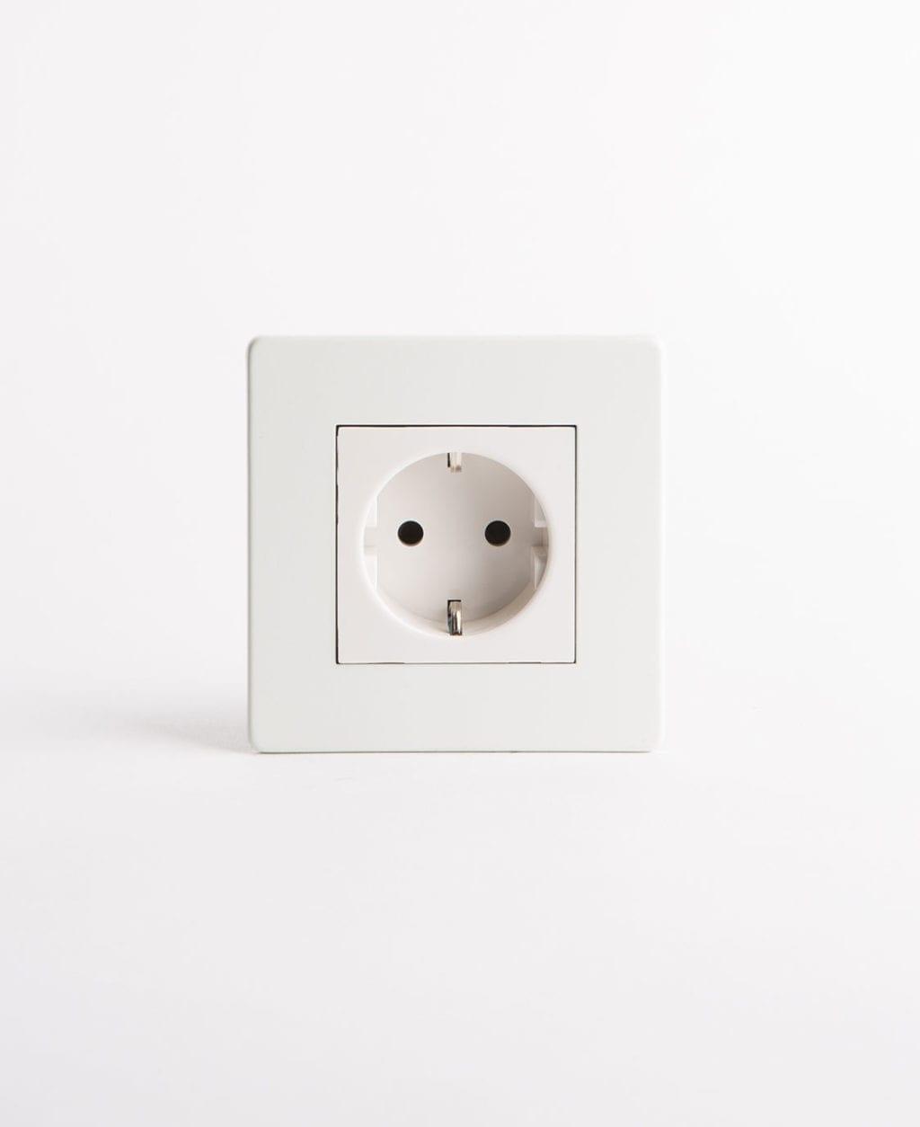 Schuko white single socket