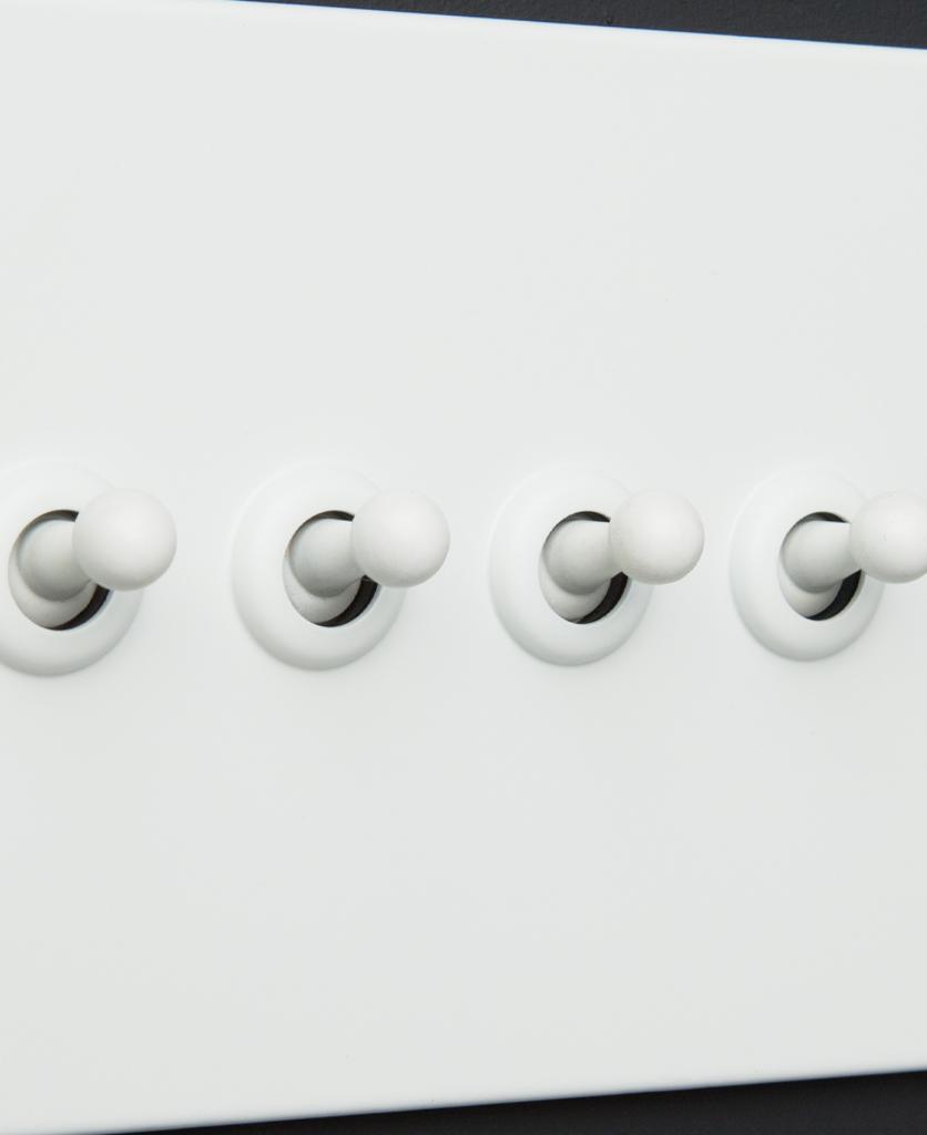 white 4g quadruple toggle switch