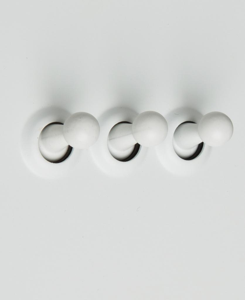 white 3g triple toggle switch