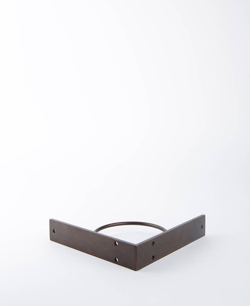 metal shelf bracket circle