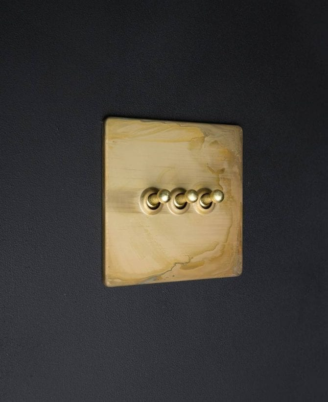Smoked gold & gold triple toggle