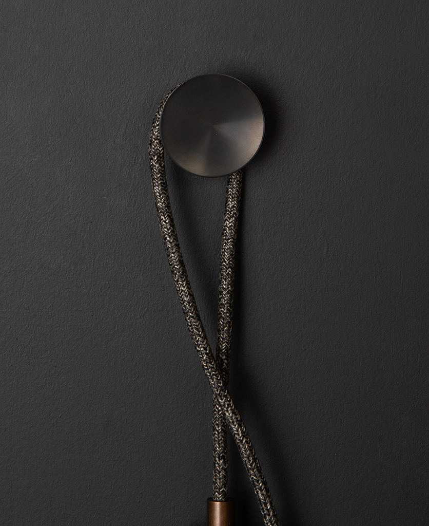 Keren wall lamp with rococo hook