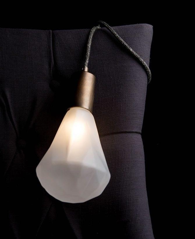 Keren Fisherman's Jumper Christalle Table Lamp