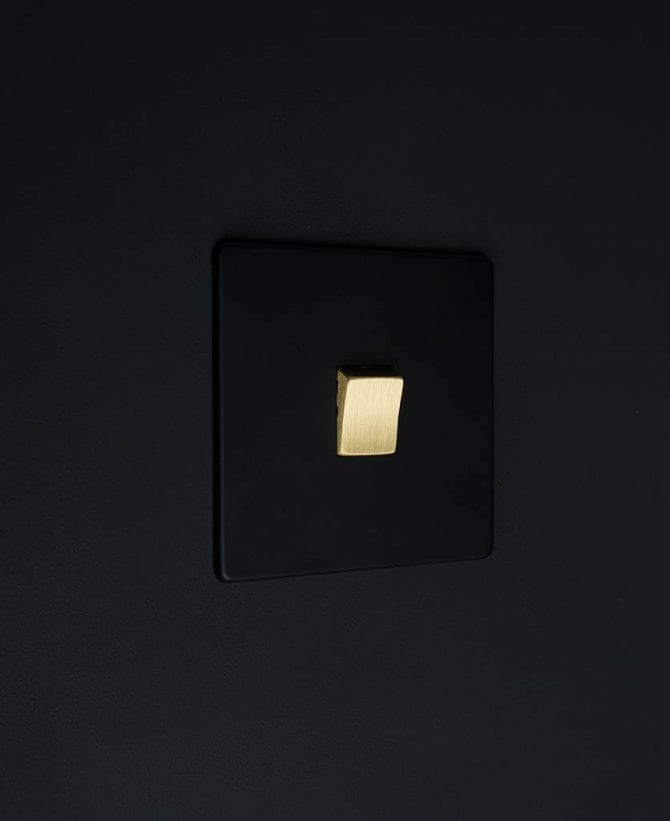 single rocker switch black & gold intermediate