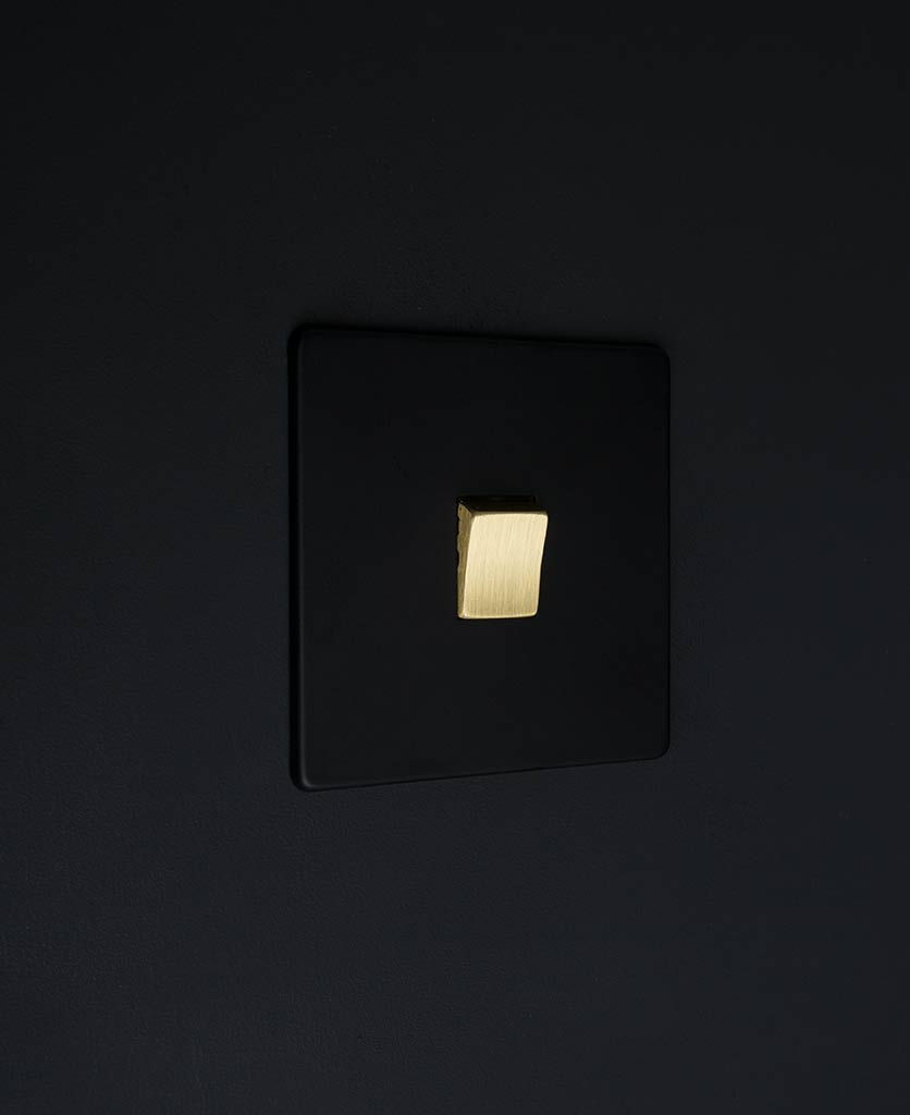 single rocker switch black & gold intermediate