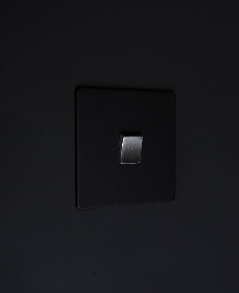single rocker switch black & silver intermediate