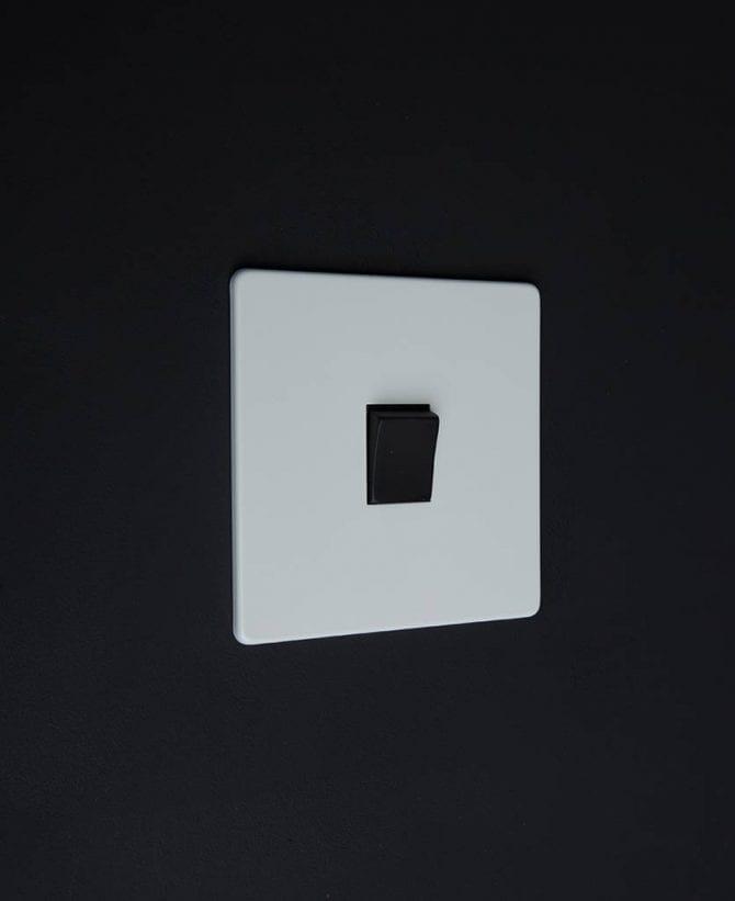 single rocker switch white & black intermediate