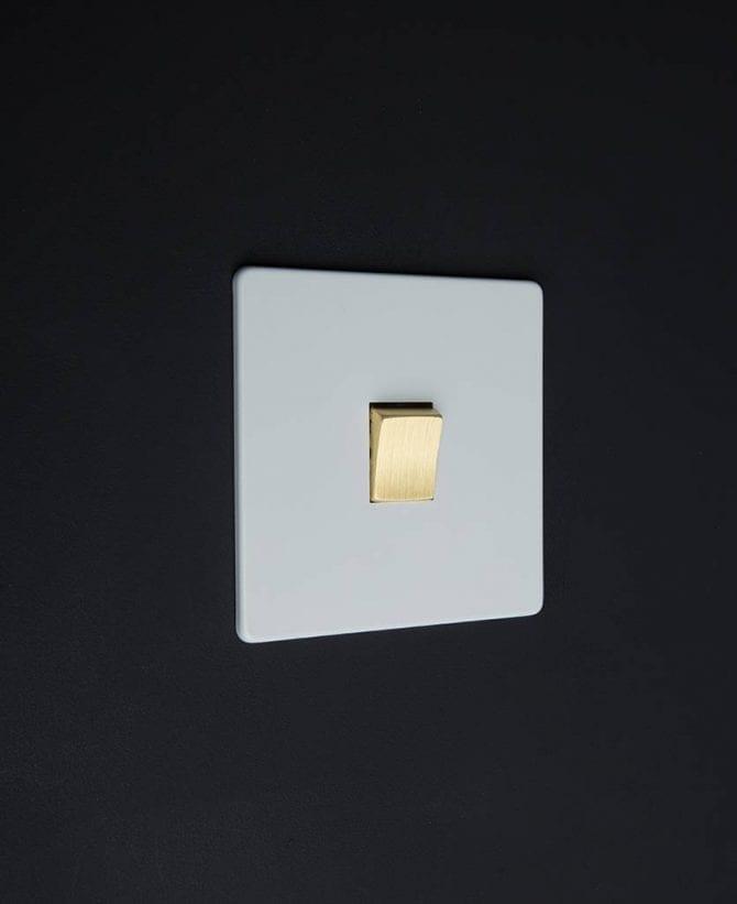 single rocker switch white & gold intermediate