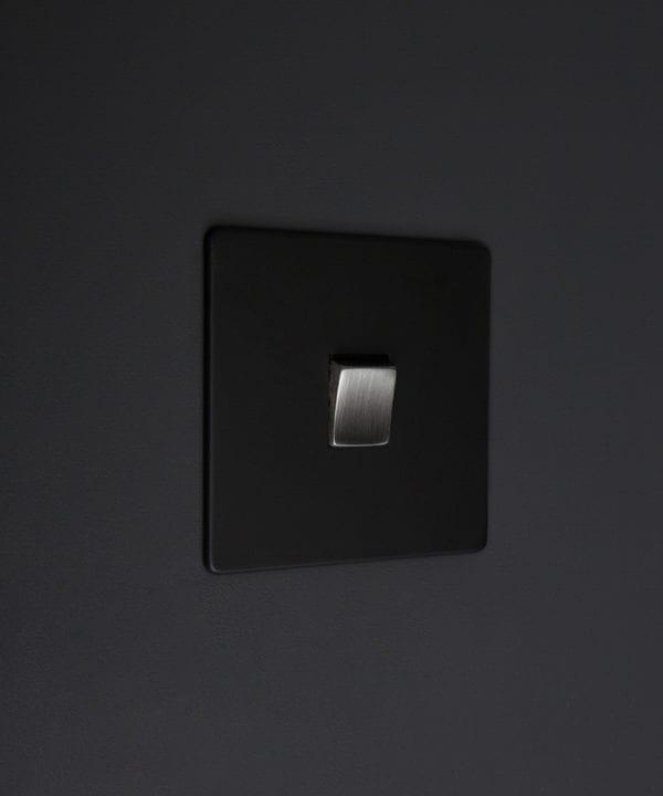 black and silver 1g intermediate rocker switch