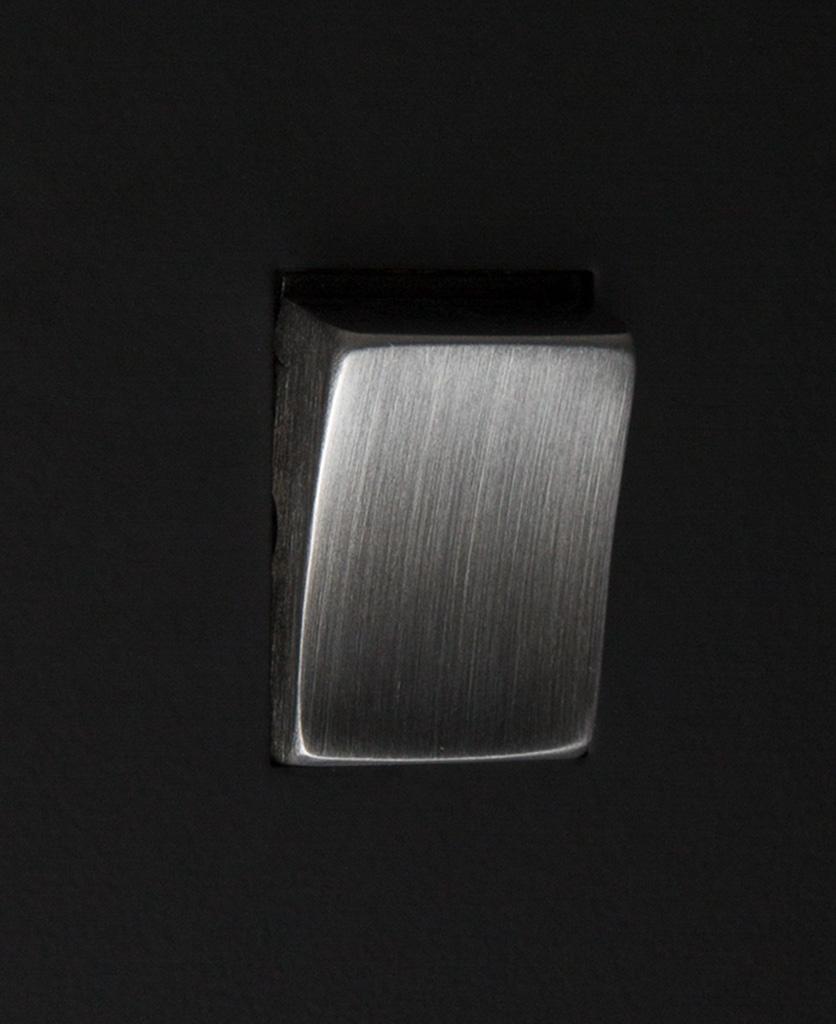 black and silver 1g intermediate rocker switch close up