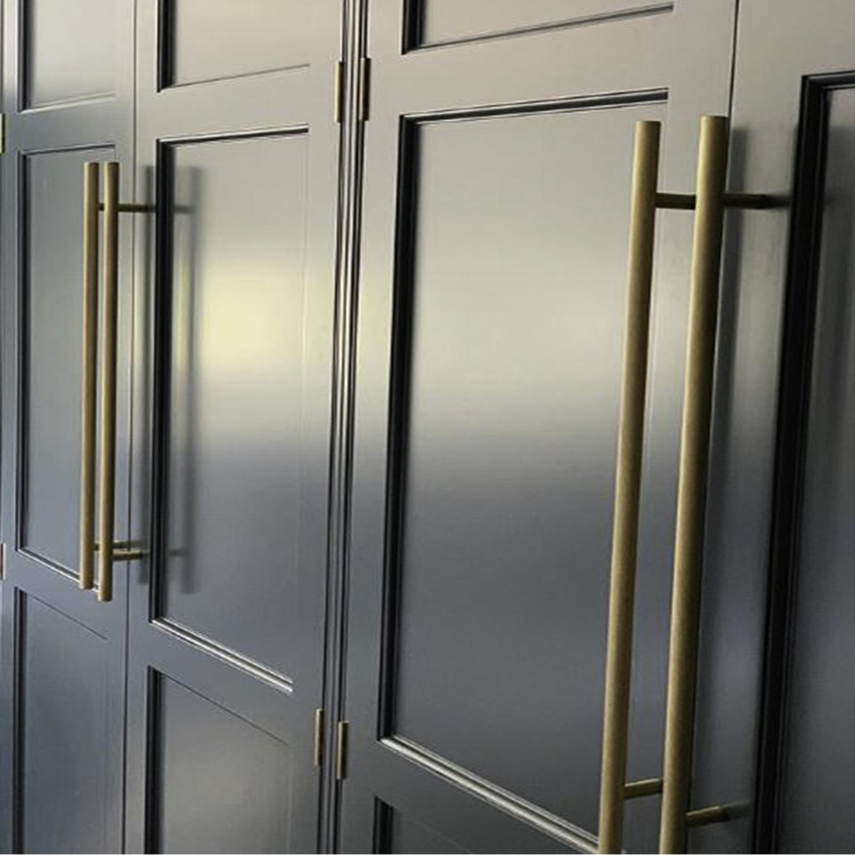 chunky skyscraper handles