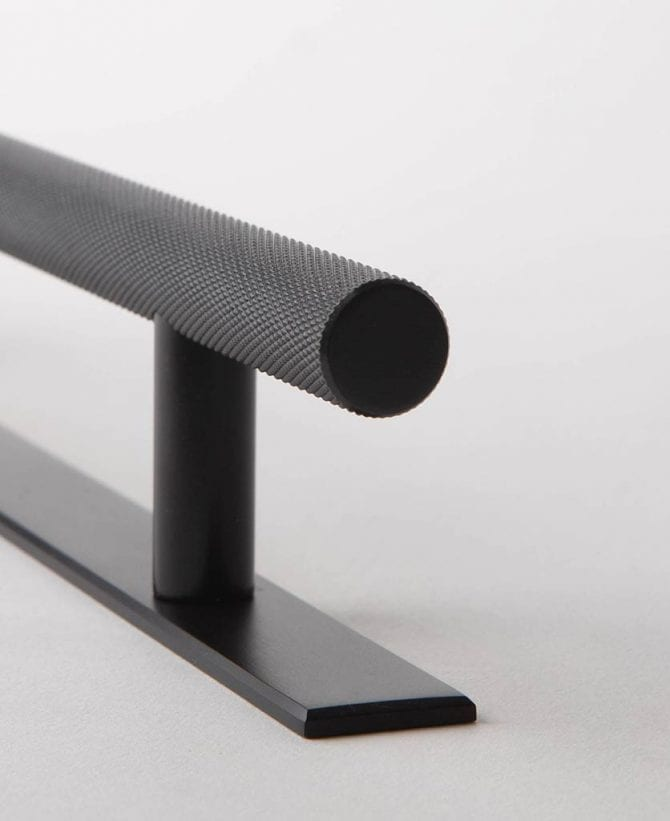 Black Chunky Skyscraper handle with plate