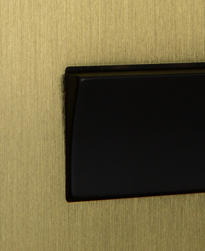 closeup of gold and black fan switch