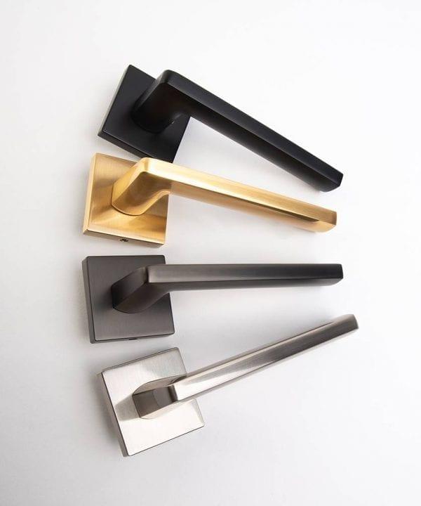 Lowry door handle