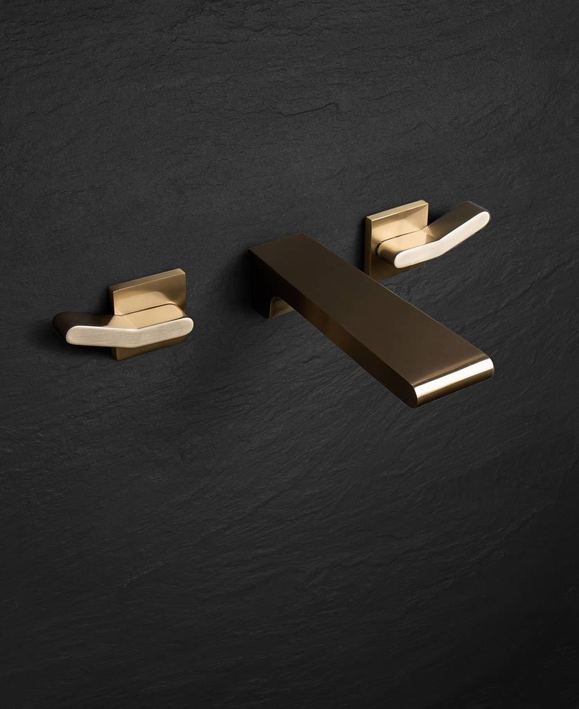 Rosumo gold wall mounted tap