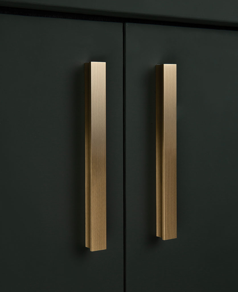 brass itchen cupboard and drawer handle 212mm