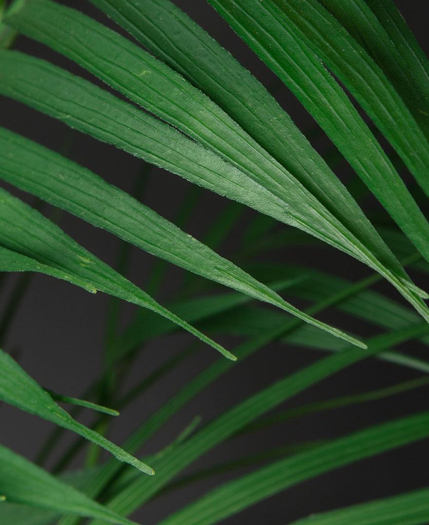 Artificial bergspalm plant