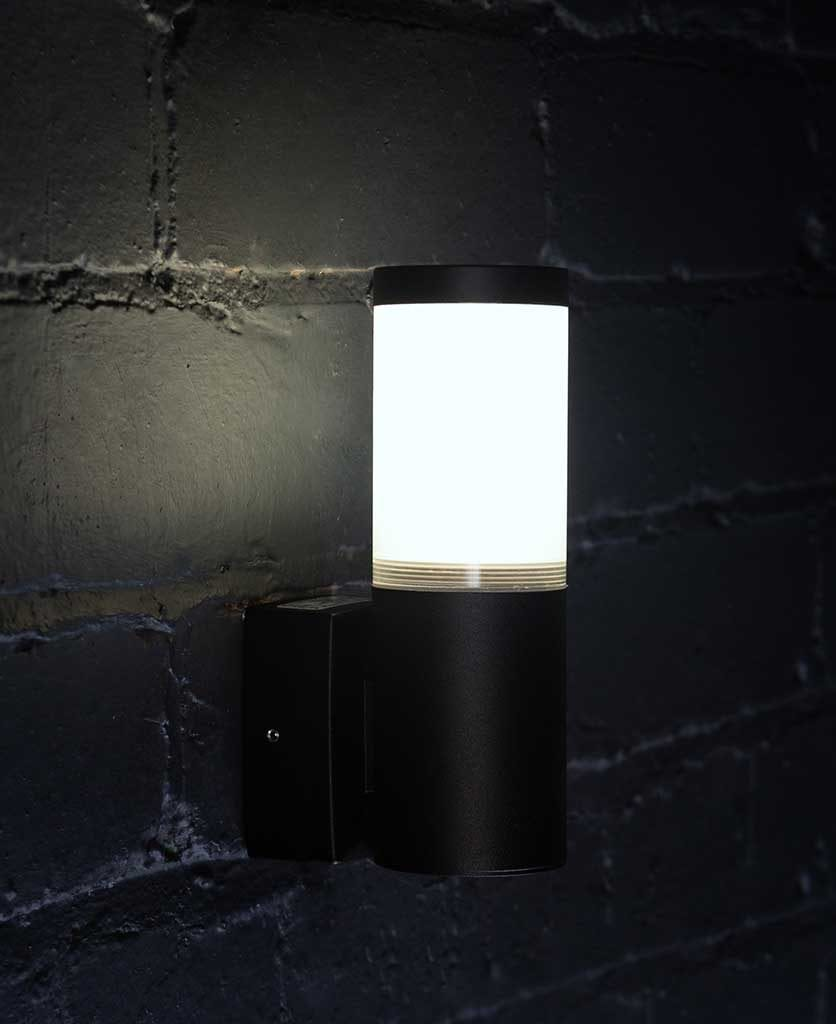 gliese garden light black
