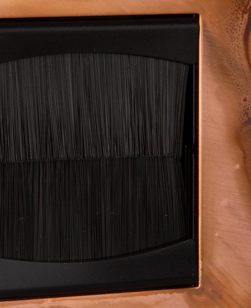closeup copper & black single brush plate