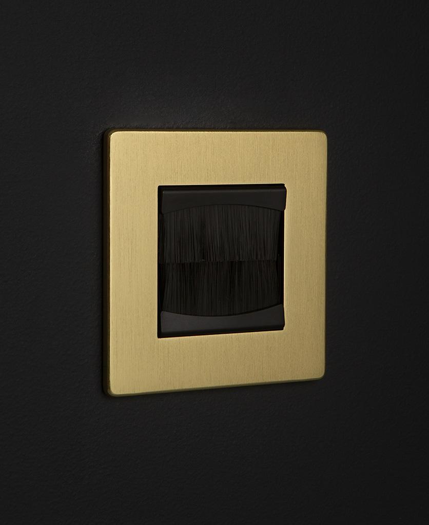 gold & black single brush plate