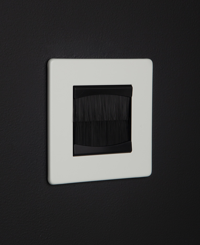 White & black single brush plate
