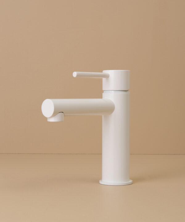 white kagera tap